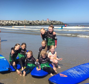 ME16 surfgirls
